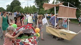 رژه کالسکه های نوزاد در مسکو