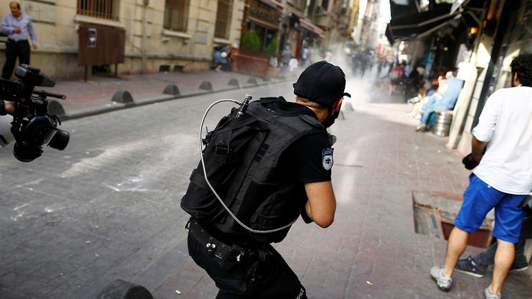 İstanbul'da Onur Yürüyüşü'ne polis müdahale etti