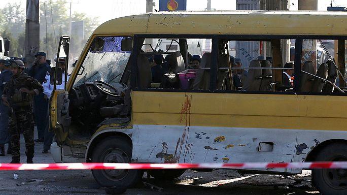 Kabil'de servis aracına saldırı
