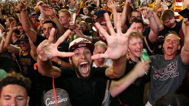 Команда ClevelandCavaliers завоевала свой первый чемпионский титул