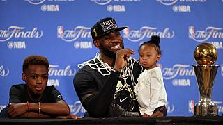 Finale NBA 2016 : Les Cavaliers de Cleveland s'emparent de la Coupe