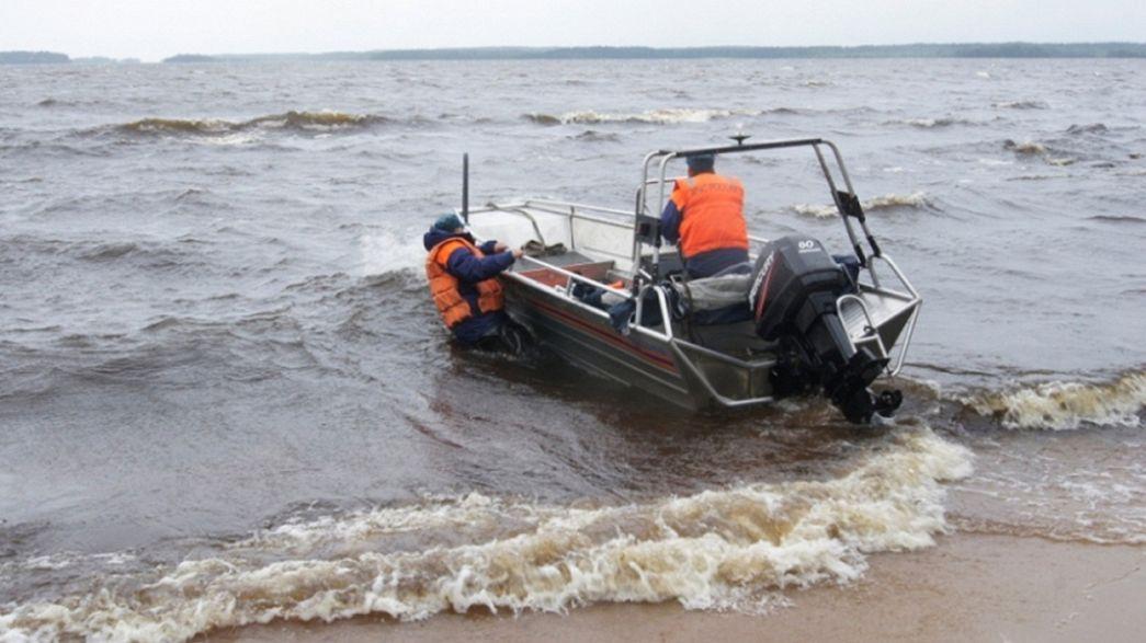 هلاك 15 مراهقا غرقا في بحيرة شمال غرب روسيا