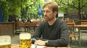 """Karl Bär: """"Glyphosat ist überall drin – auch im Bier"""""""