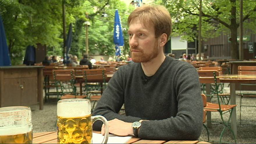 """Karl Bär: """"Glyphosat ist überall drin - auch im Bier"""""""