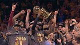 LeBron James da a los Cavaliers su preciado anillo