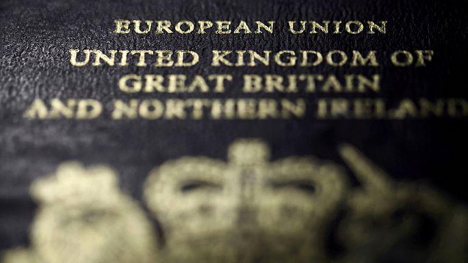Première défection chez les pro-Brexit après la campagne anti-migrants de Farage