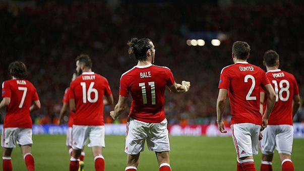 Euro 2016: Galler grup lideri olarak tur atladı