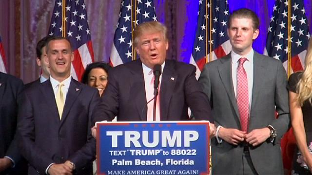 Trump kampanya yöneticisini kovdu, Clinton torun sevinci yaşadı