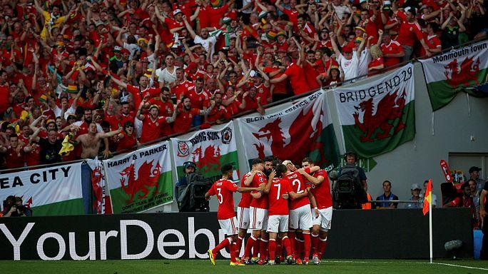 يورو 2016: فرحة مناصري المنتخبين الويلزي والإنجليزي بالتأهل إلى ثمن النهائي