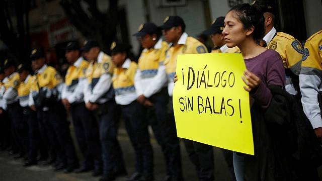 Meksika'da öğretmenler sokakta