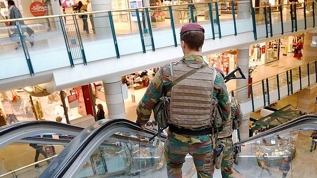 Brüksel'de patlayıcı bomba alarmı