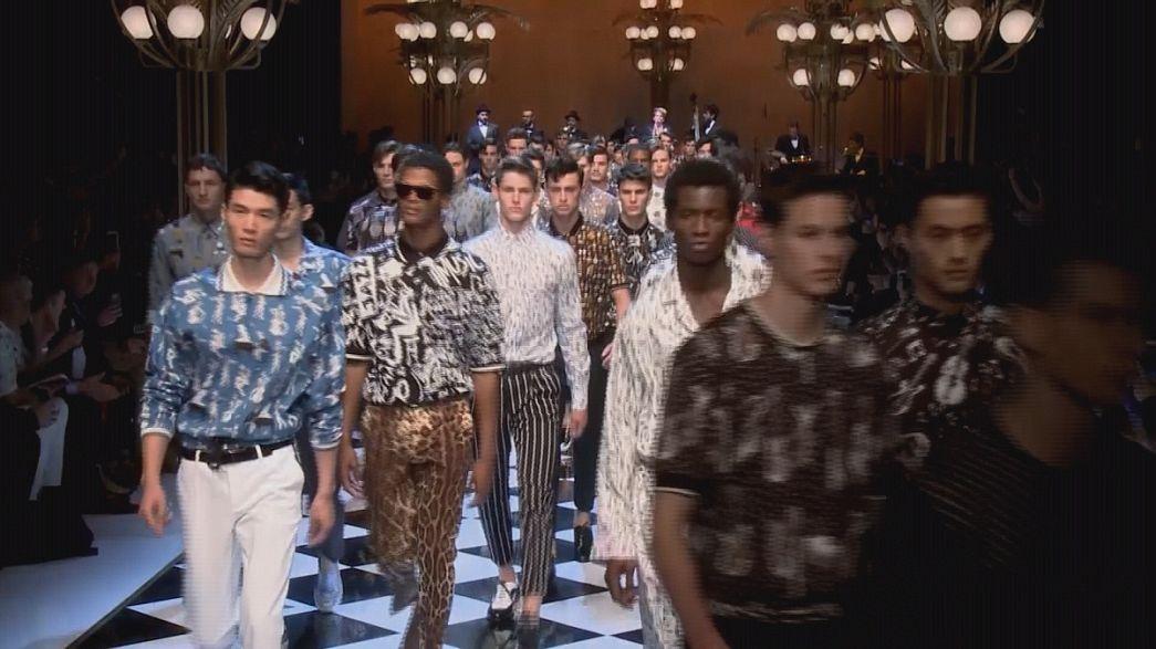 Kısa paça ve yırtık kotlar Milano Moda Haftası'nda