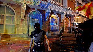 """Macedónia: Protesto """"colorido"""" exige demissão do presidente em Skopje"""