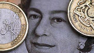 Фунт растет, надеясь на сохранение Великобритании в ЕС