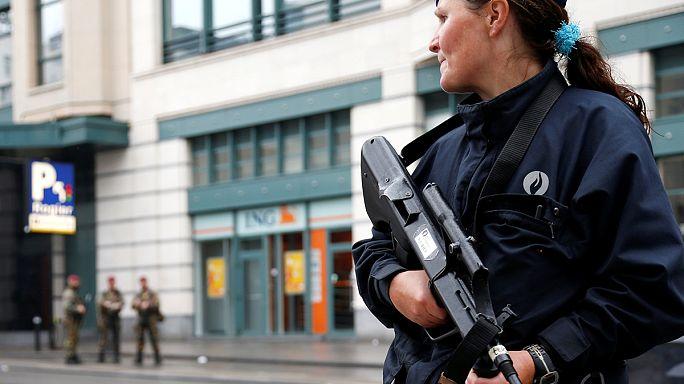 Brüksel'de bomba alarmı: Bir kişi 'sahte intihar yeleğiyle' yakalandı