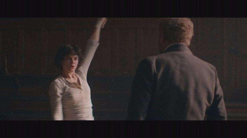 """Die Tänzerin"" - Hommage an Tanzikone Loïe Fuller"
