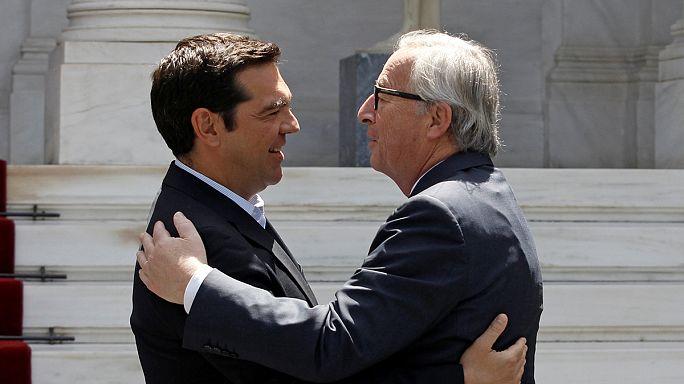 Avrupa Komisyonu Başkanı Junker Atina'da umut dağıttı