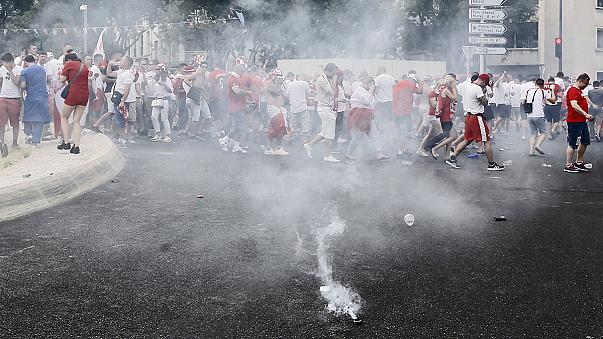 Euro : incidents à Marseille, ambiance plus détendue à Paris, Lens et Bordeaux