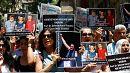 Protesta en Estambul por la libertad de expresión tras la detención de tres activistas