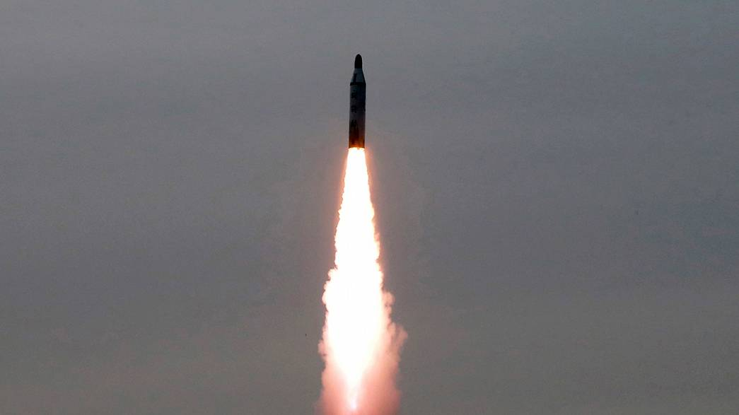 КНДР: первый успешный запуск баллистической ракеты средней дальности