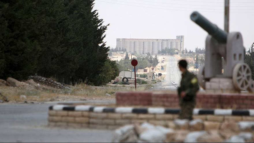 Tote bei Luftangriffen auf nordsyrische Dschihadisten-Hochburg Al-Rakka