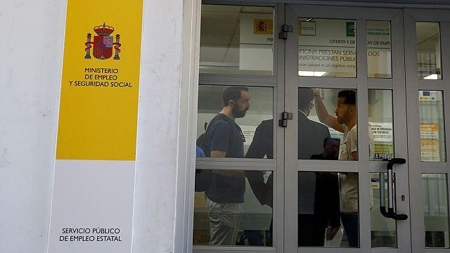 Ötmillió munkanélküli Spanyolországban