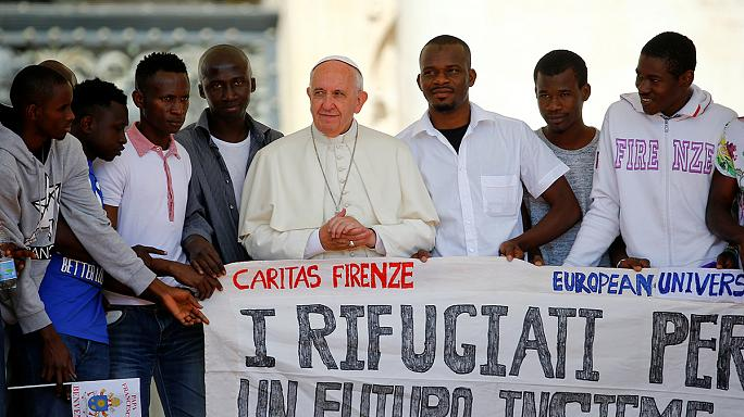 Apoyo público del papa Francisco a los refugiados