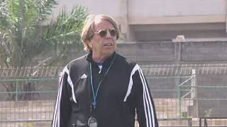 Togo FA backs coach Claude LeRoy despite France jail threat