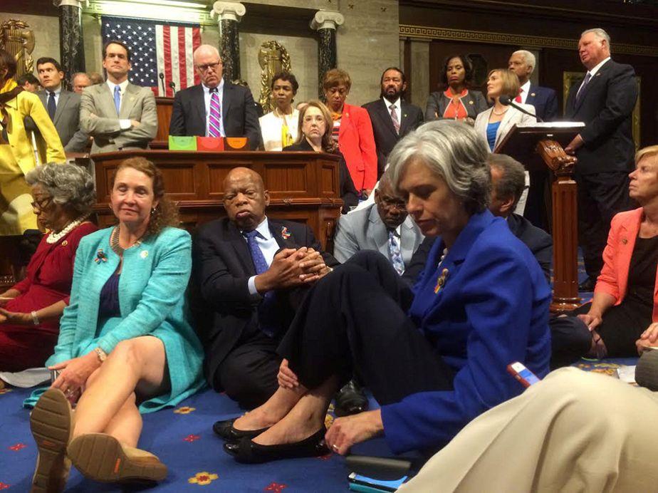 USA : un sit-in spectaculaire pour légiférer sur les armes
