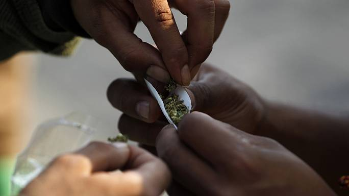 Kevesebben használnak drogokat, mégis több a függő
