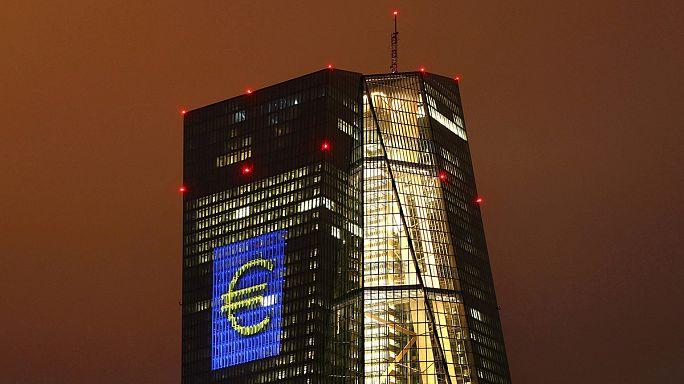 المركزي الأوروبي يمد يد المساعدة للبنوك اليونانية