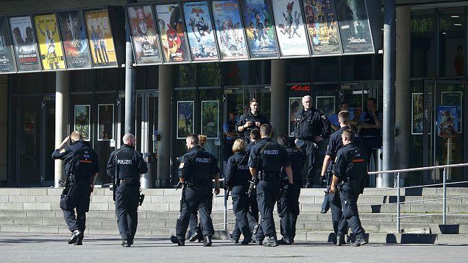Almanya'da sinemaya saldıran kişi ölü ele geçirildi