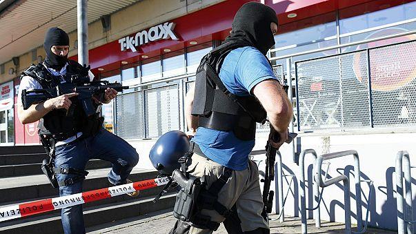 Almanya'da sinemaya silahlı baskın: Saldırgan ölü ele geçirildi