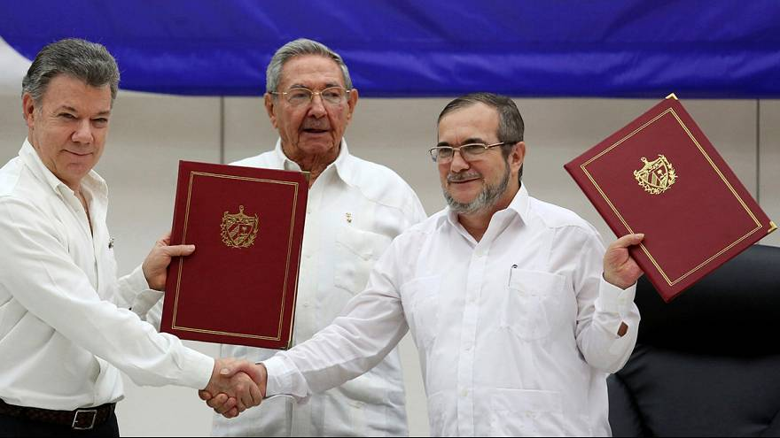 Hopes for peace as Colombia signs historic ceasefire deal