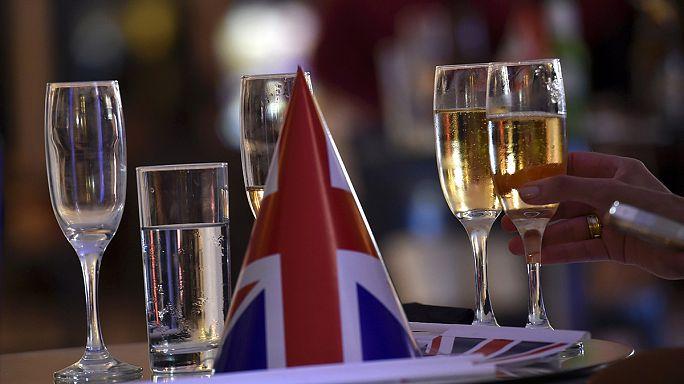 يونكر يدعو إلى تسريع مفاوضات خروج بريطانيا من الاتحاد الأوروبي