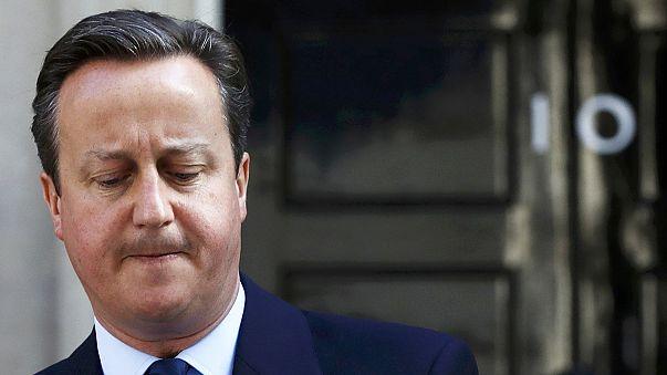 Cameron dimite: se irá en octubre