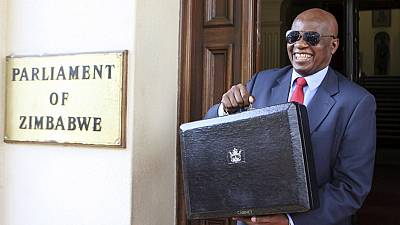 Cash-strapped Zimbabwe rejects single currency regime