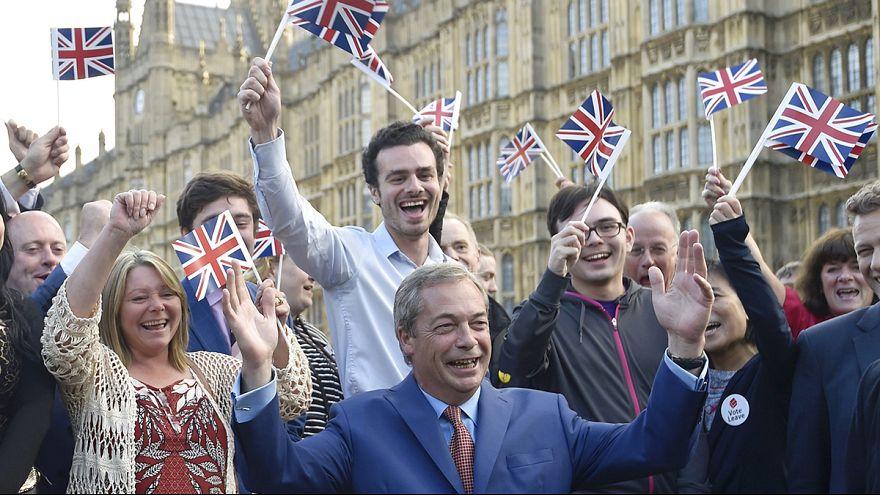 """نايجل فاراج يطالب بتشكيل حكومة """"خروج من الإتحاد الأوروبي """""""