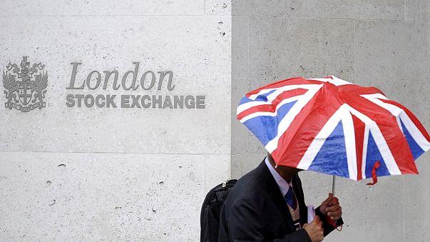 Lassan csillapodik a pánik a londoni tőzsdén