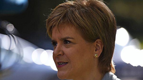 İskoçlar ve İrlandalılar referandum sonucundan rahatsız