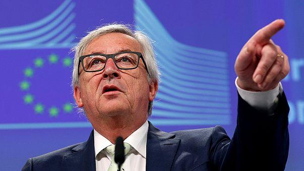 يونكر بدعو لتسريع إجراءات خروج بريطانيا