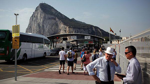 Tras el Sí al 'brexit', España espera ver pronto su bandera ondeando en Gibraltar