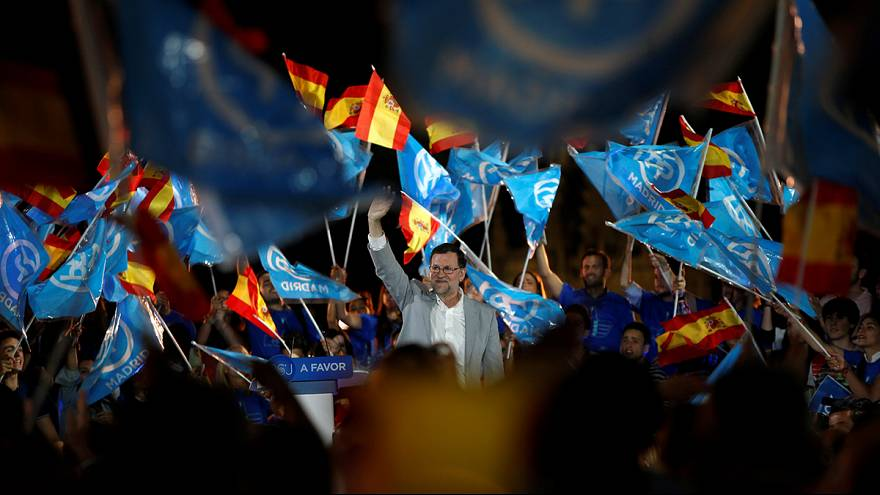 Spain's politicians discuss Brexit in final day of general election campaigning