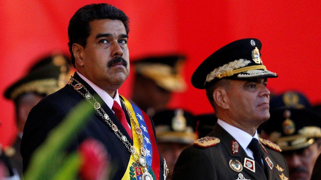 Venezuelalı muhalifler referandum için ilk engeli atladı