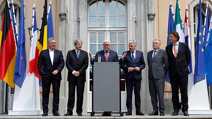 Главы МИД стран-основателей ЕС призвали к скорейшим переговорам по выходу Великобритании из Евросоюза