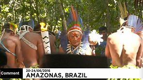 La torche olympique dans l'Amazonie brésilienne