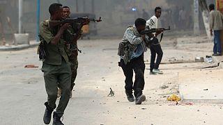 Eş Şebab Somali'de otele saldırdı