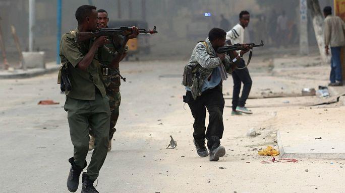 Террористы напали на отель в Сомали: 15 погибших