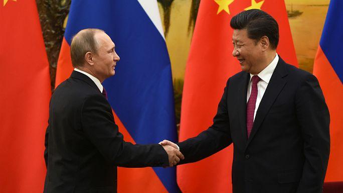 A Pékin, Poutine resserre les liens avec la Chine, si proche alliée