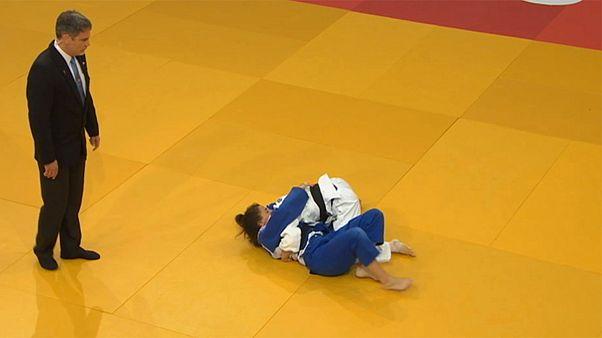 Los judocas japoneses y eslovenos dominan la primera jornada del Gran Premio de Budapest